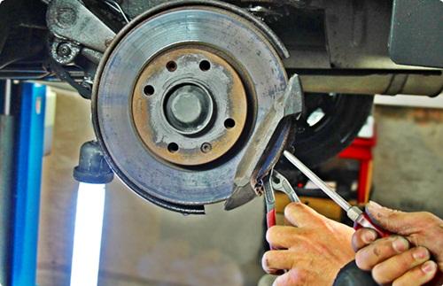 como cambiar los discos de freno del coche