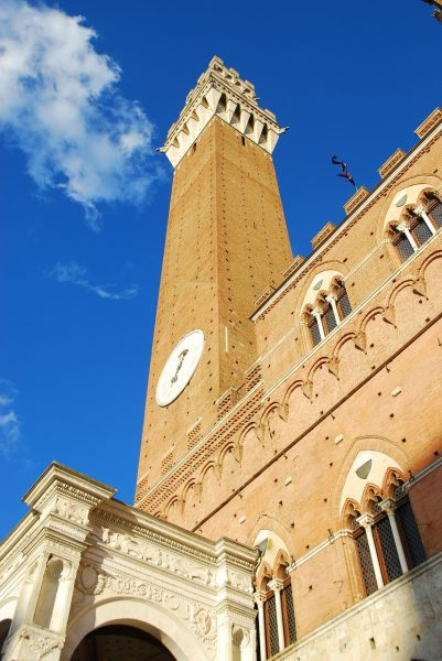 siena, square of the field, tower eats