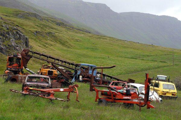 machines, cars, rust
